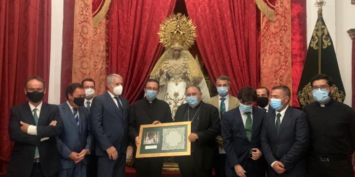 Emotiva despedida de la Hermandad de la Yedra a Monseñor D. José Mazuelos Pérez